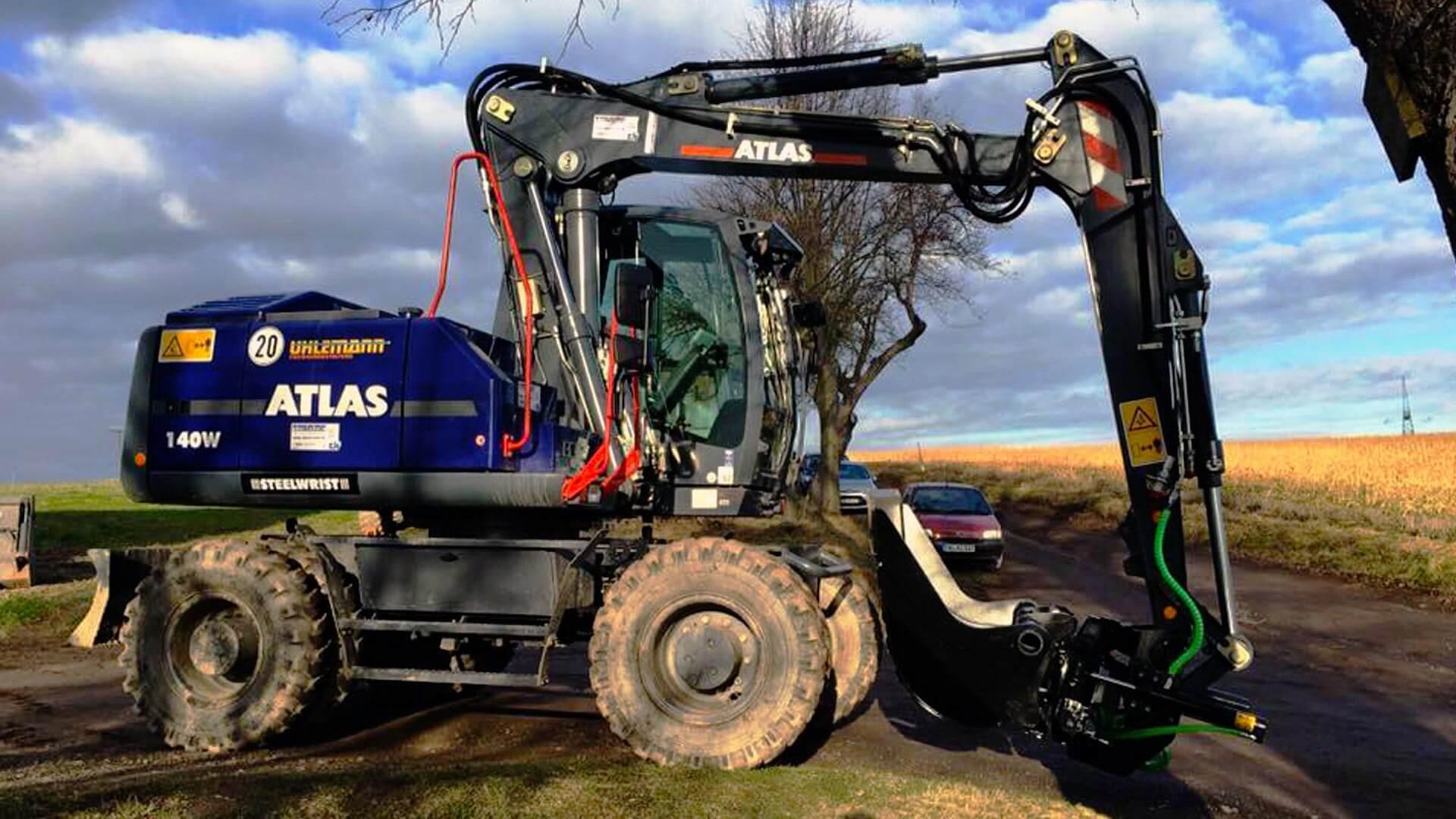 Picture Atlas Excavator and Steelwrist tiltrotator