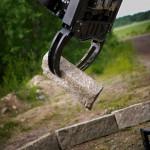 Gripper excavator steelwrist