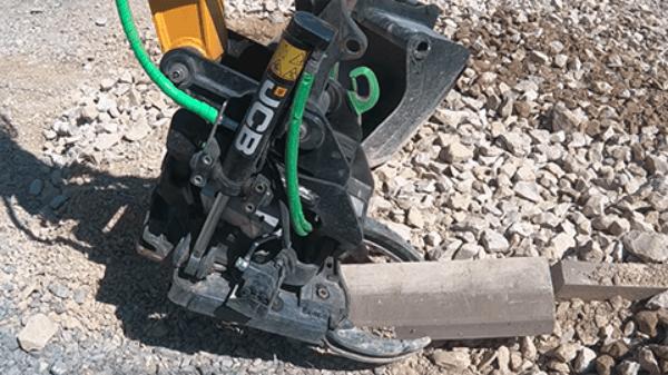 JCB Hydradig Working Machine With Trailer
